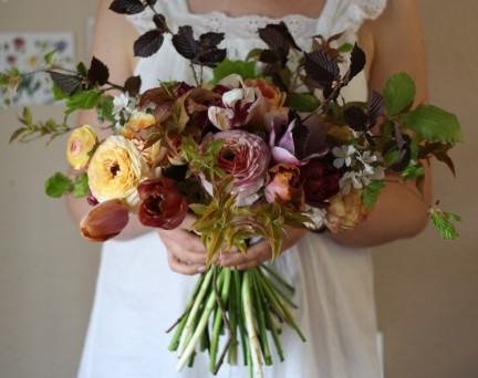 Ombre BouquRanunculus and anemone Ombre bridal bouquetet